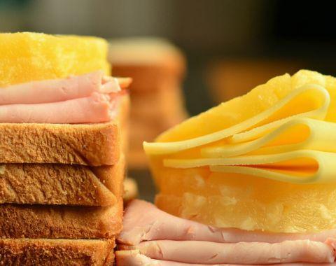 lang-food-11-hawai-toast-679x679