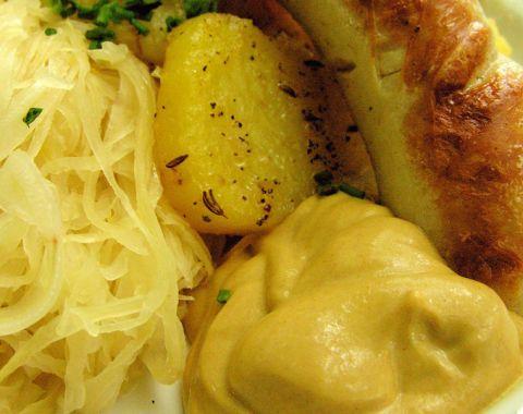 lang-food-4-bratwurst-679x679